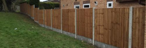 Close board panels on concrete posts and concrete gravel boards in Nottingham 4